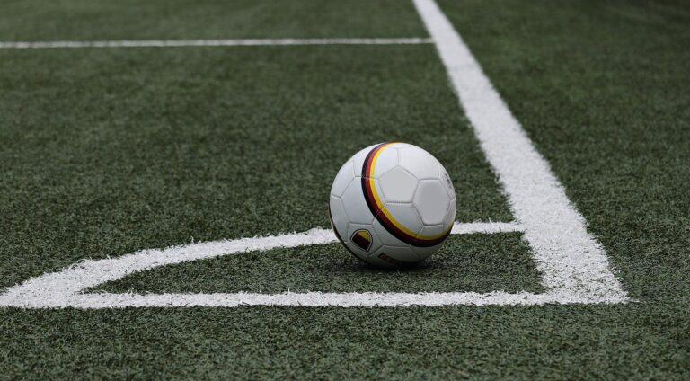 football-3471402_1920